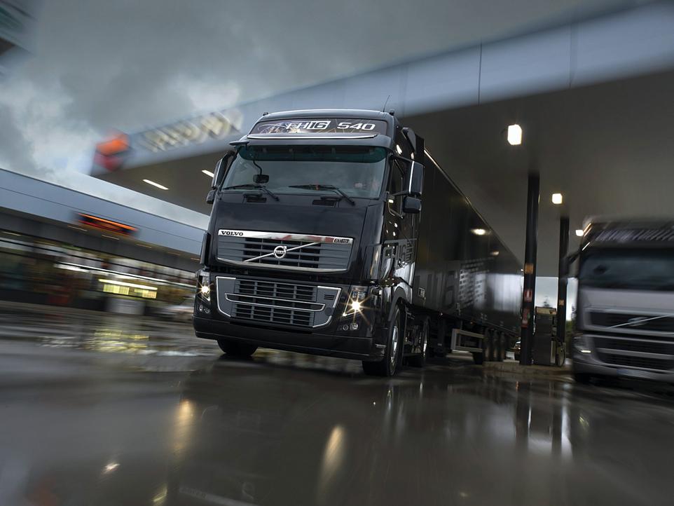 Новые грузовики компании